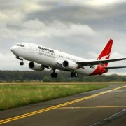 qantas resumes gold coast services airline hub buzz